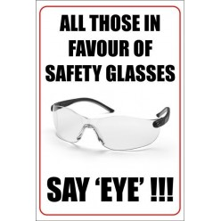 Safety glasses poster 400x600mm